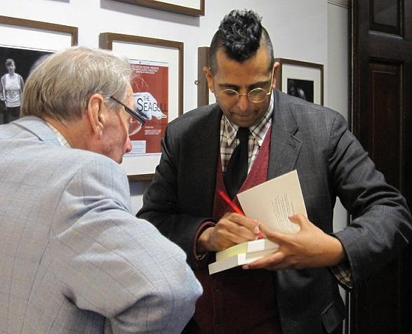 Simon Singh signing books2
