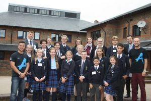 27-09-16-pupils-and-teachers-from-lvs-ascot-with-the-diana-award-anti-bullying-campaigners
